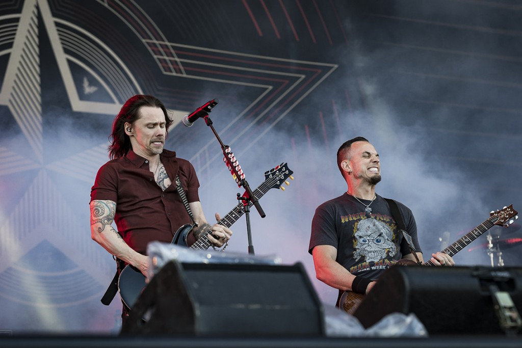 AlterBridge-2